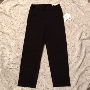 SM black Old Navy Activewear Leggings-new w/ tags
